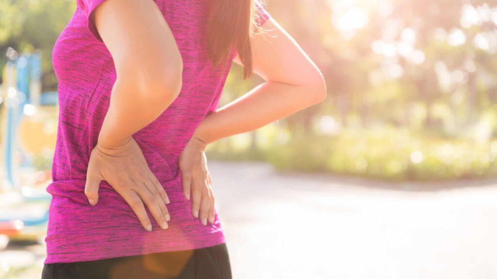 Rückenschmerzen durch Kiefer